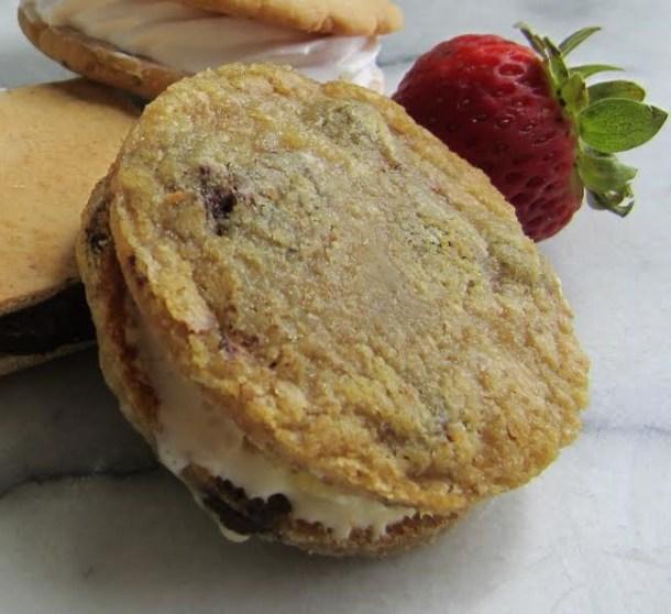 mirbeau-pinehills-brown-sugar-pineapple-ice-cream-sandwich